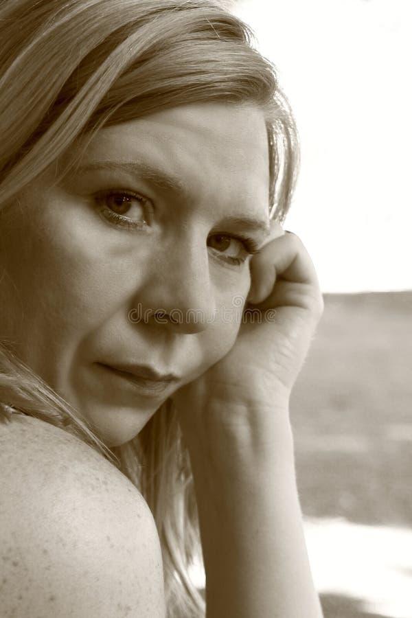 унылая женщина стоковое фото
