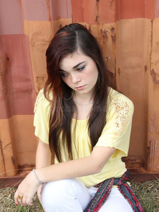 Унылая предназначенная для подростков девушка стоковое изображение rf