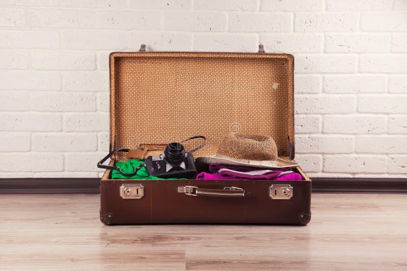 упакованный сбор винограда чемодана стоковая фотография rf