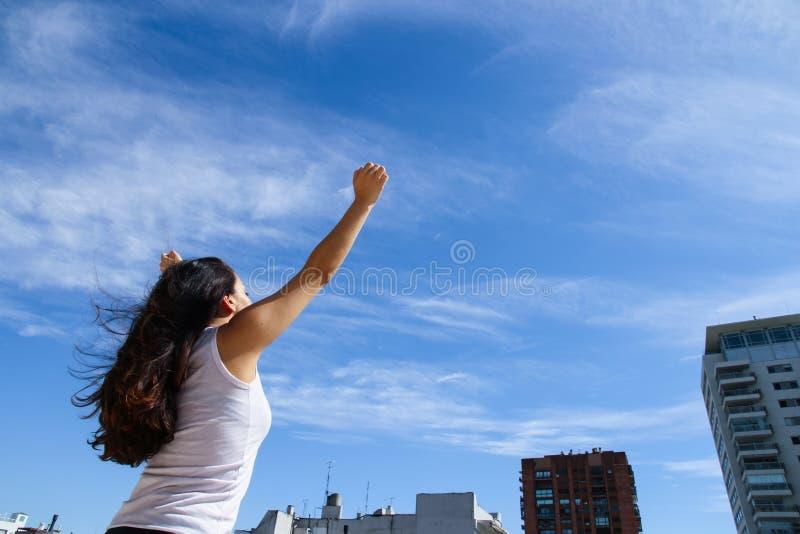 Download Урбанская йога стоковое изображение. изображение насчитывающей красивейшее - 40584741