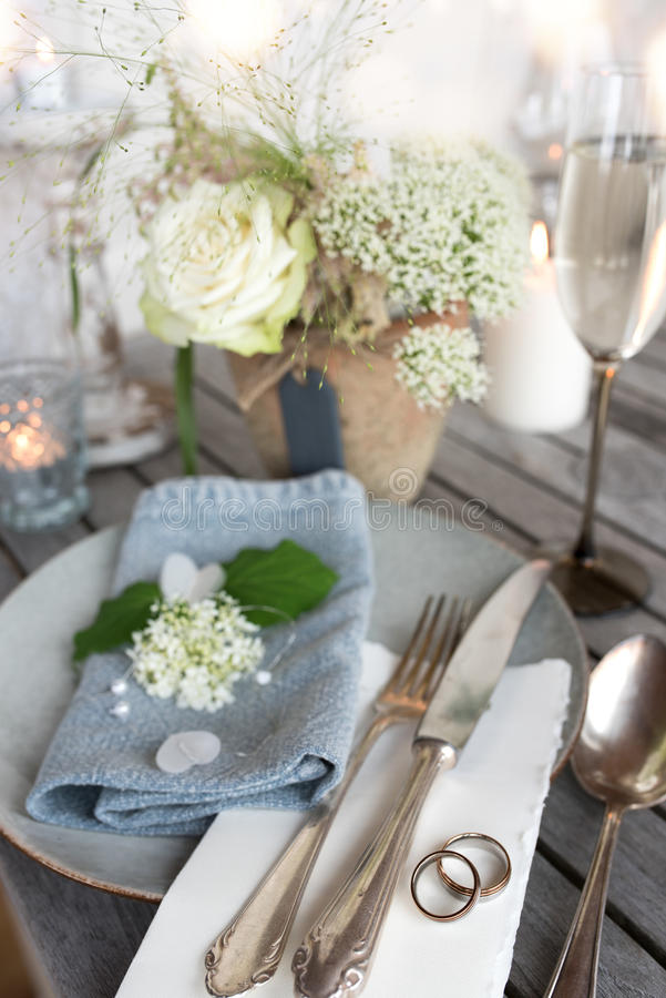 Урегулирование места свадьбы в винтажном стиле стоковое фото rf