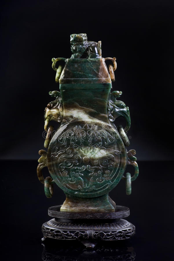 Урна нефрита. стоковые изображения