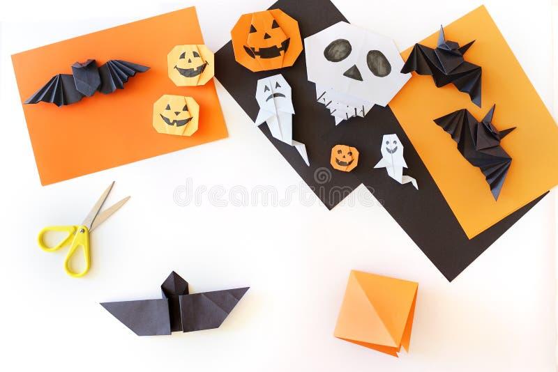 Урок origami creativity Руки детей стоковое фото