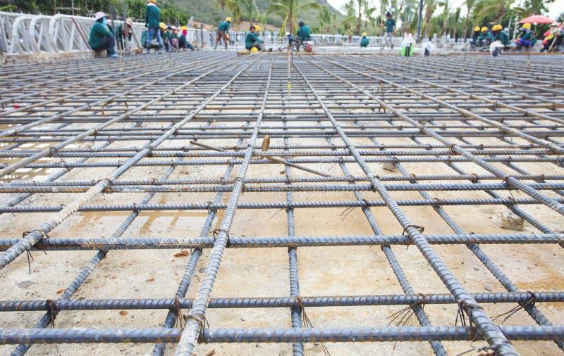 Усильте сеть железной клетки для построенного строя пола в конструкции стоковая фотография rf