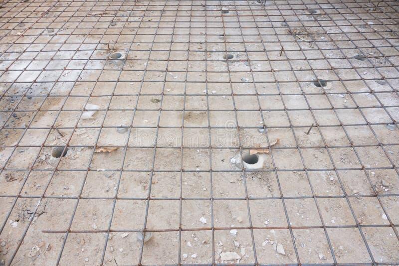 Усильте сеть железной клетки для построенного строя пола в конструкции стоковые изображения rf