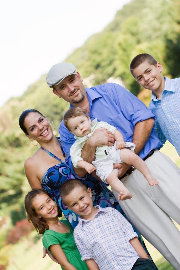 усмехаться семьи счастливый стоковое изображение rf
