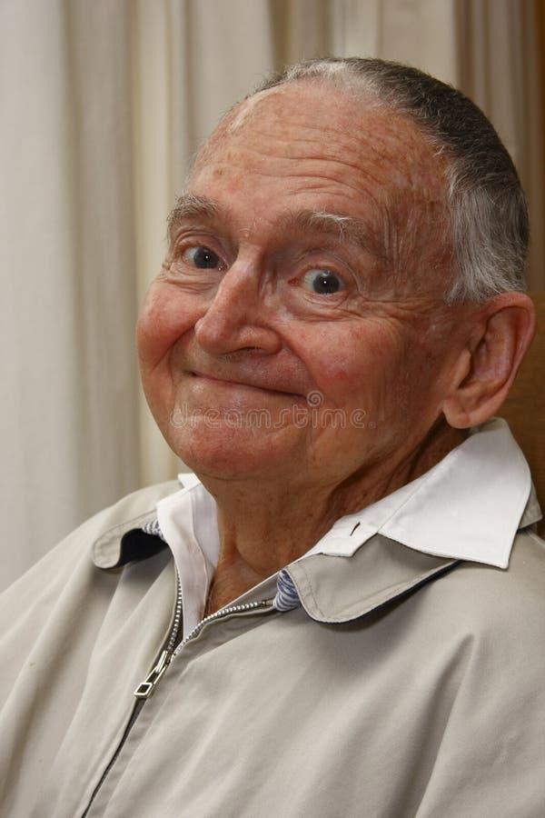 усмехаться старшия гражданина стоковое изображение rf