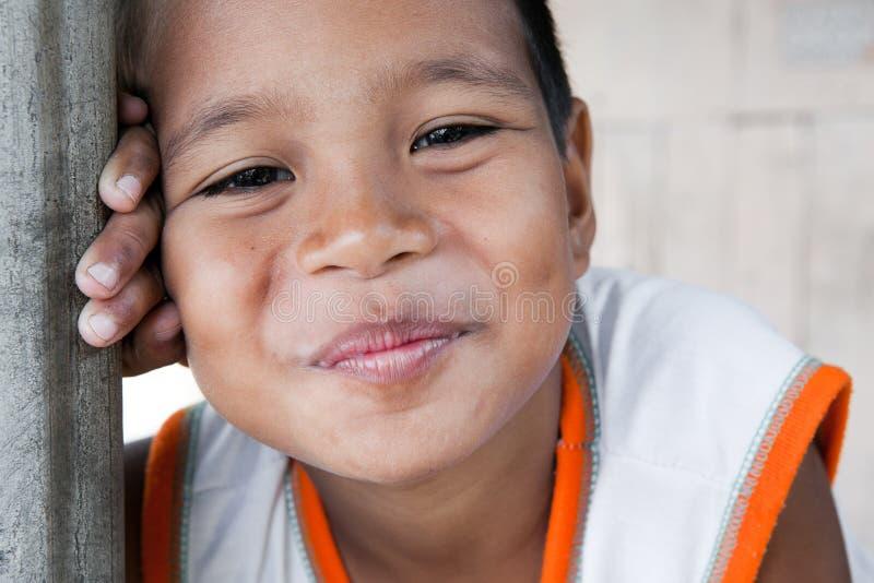 усмехаться philippine мальчика стоковые фотографии rf