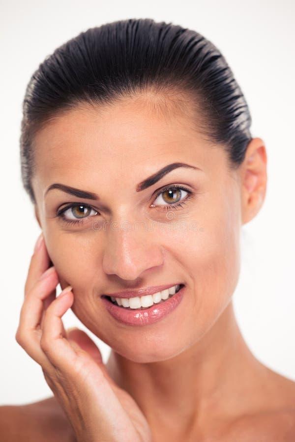 Усмехаясь женщина с свежей кожей стоковые изображения