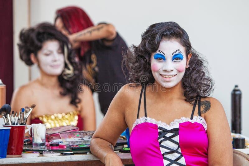 Усмехаясь совершитель Cirque стоковое фото