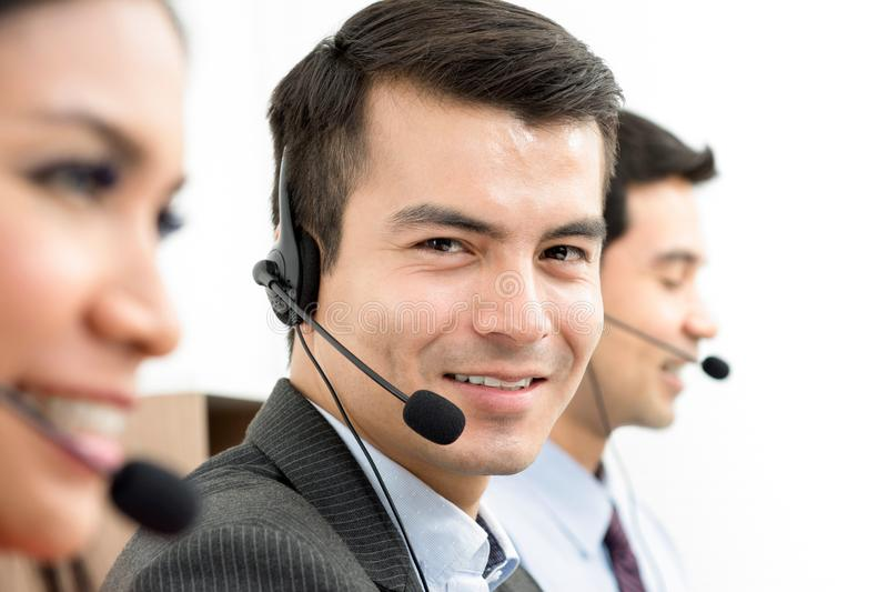 Усмехаясь штаты центра телефонного обслуживания стоковое изображение rf