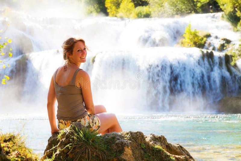 Усмешка водопада стоковые фотографии rf