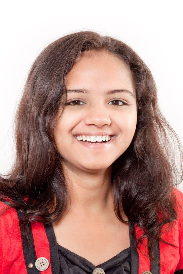 усмешка красивейшей девушки индийская стоковое изображение rf