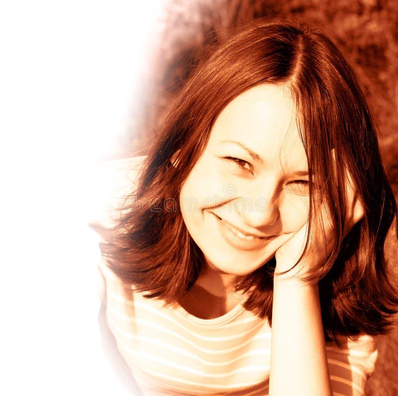 Download усмешка стоковое изображение. изображение насчитывающей женщина - 476183