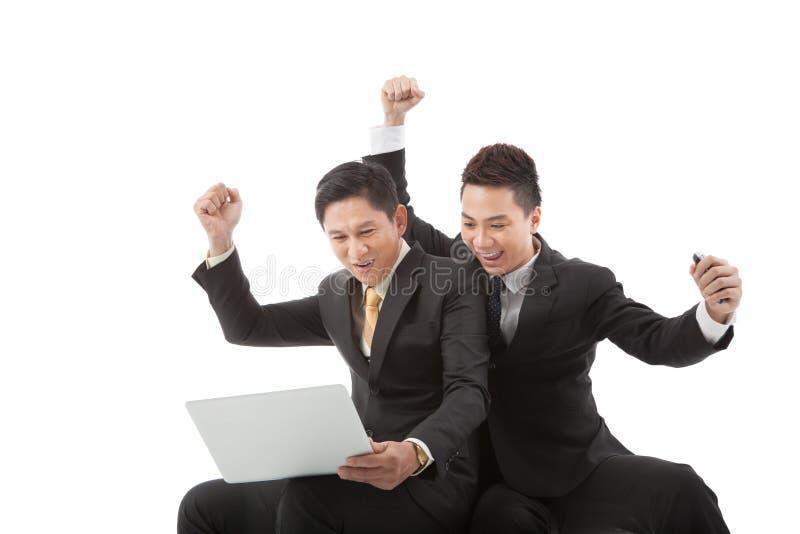 Успешные excited коллеги дела стоковое изображение rf