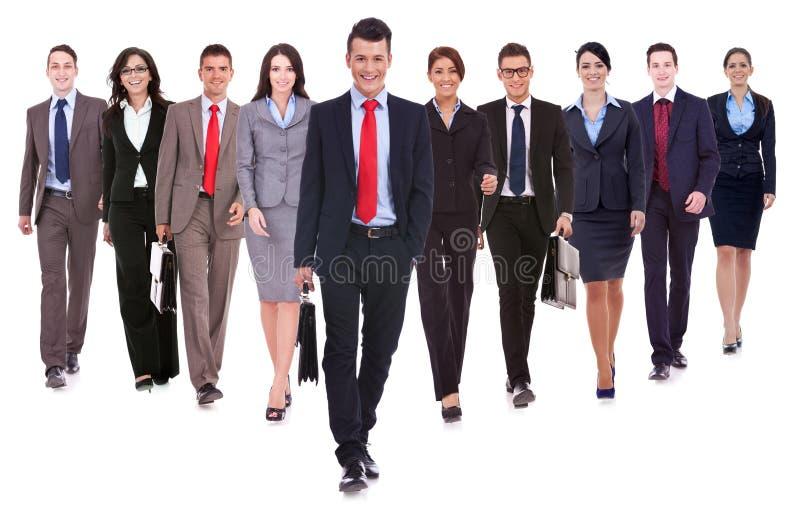 Успешный счастливый гулять команды дела стоковое изображение rf