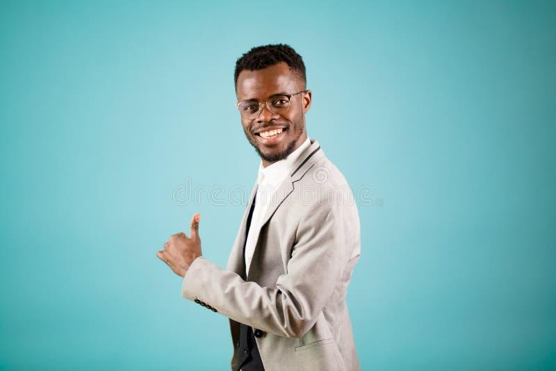 Успешный счастливый черный руководитель bussiners стоковые изображения rf