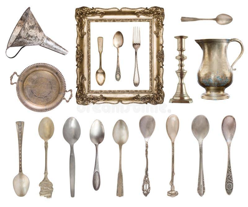 Установите винтажных красивых деталей Silverware, рамка, чайник, воронка и больше изолированный на белой предпосылке стоковая фотография rf