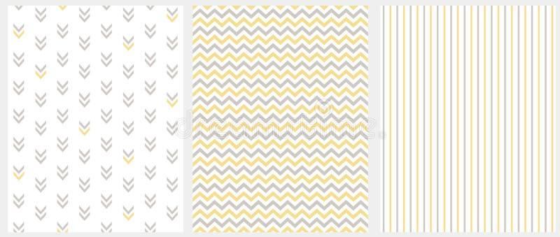 Установите 3 геометрических безшовных картин вектора Серый цвет и желтый Шеврон, нашивки и абстрактные стрелки изолированные на б иллюстрация штока