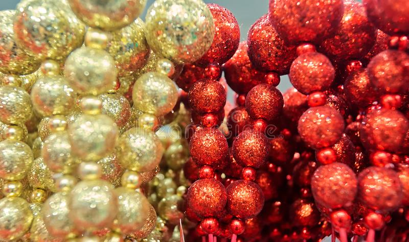 Установите небольших золотых и красных сфер рождества стоковые изображения rf