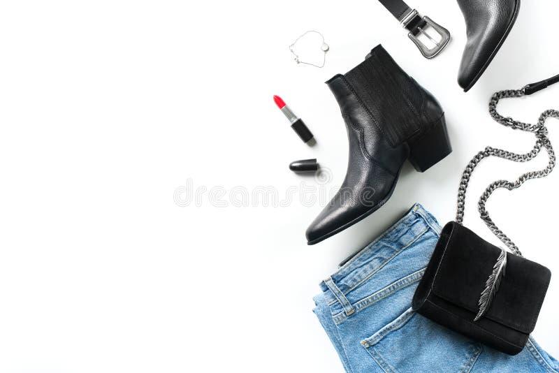 Установите обмундирования женщин - джинсов, западных ботинок, сумки, пояса и acc стоковые фото