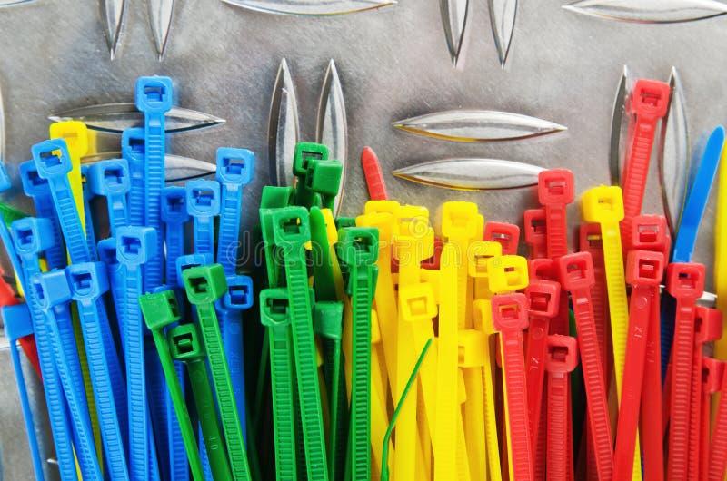 Установите покрашенные связи кабеля стоковая фотография rf