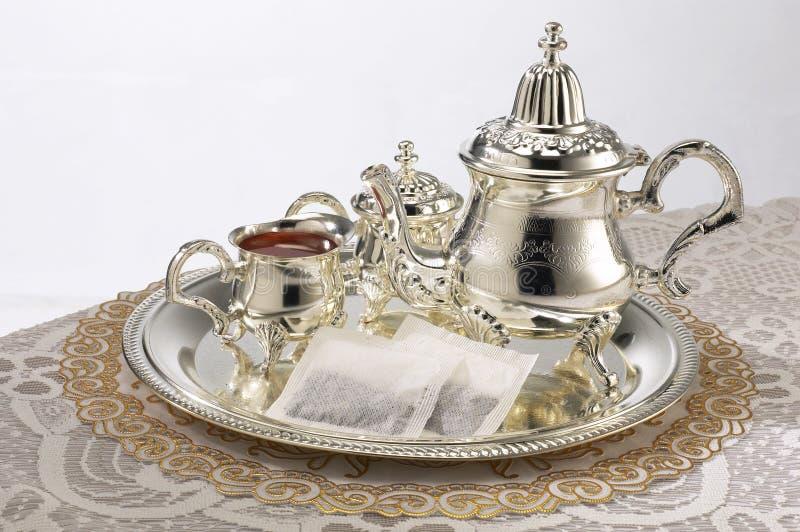 установите серебряный чайник стоковое фото rf