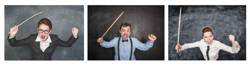 Установите смешных сердитых кричащих учителей с указателем на классн классном стоковые изображения rf