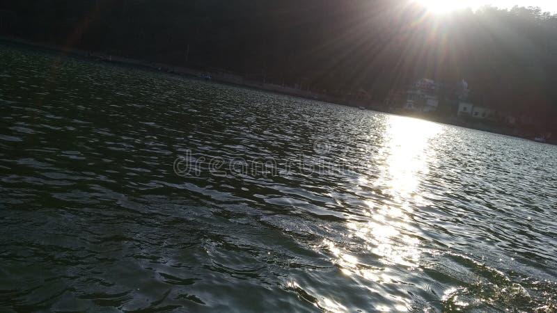 Установите солнце для того чтобы греть на солнце комплект стоковое фото