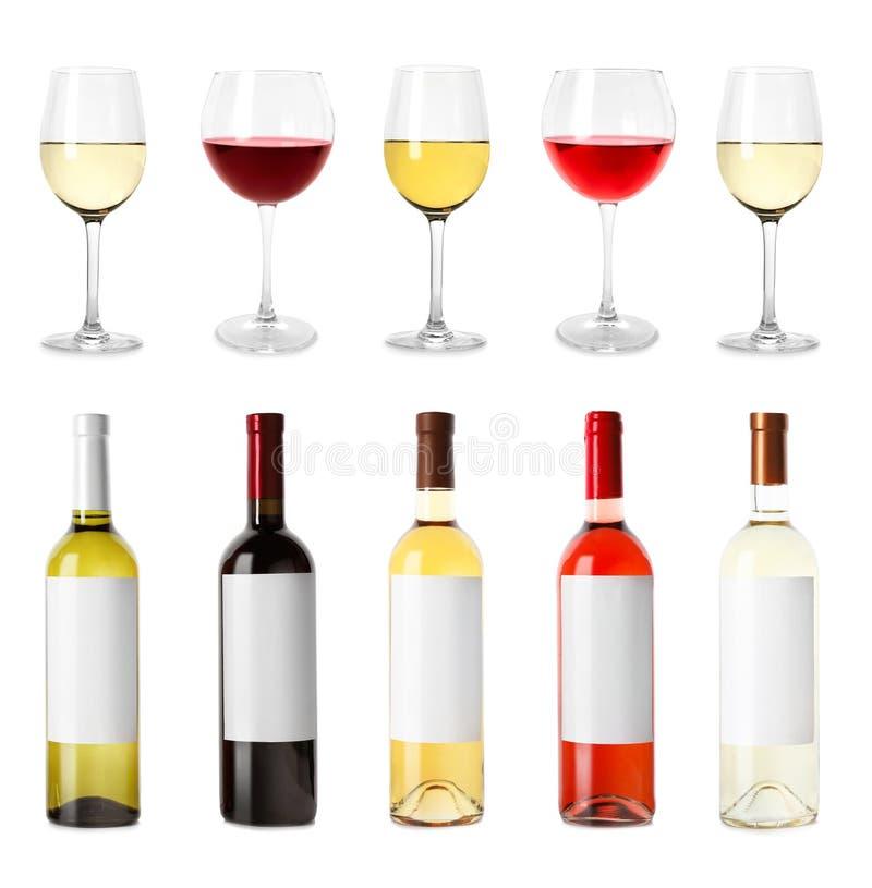 Установите с различными пустыми бутылками и стеклами вина стоковые изображения