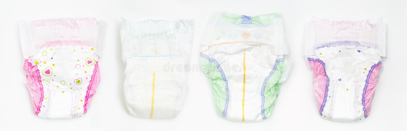 Установите устранимых пеленок младенца над белой предпосылкой стоковые изображения