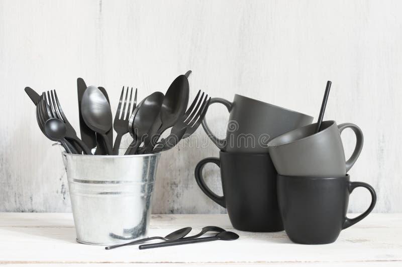 Установите черного и серого tableware стоковое фото rf