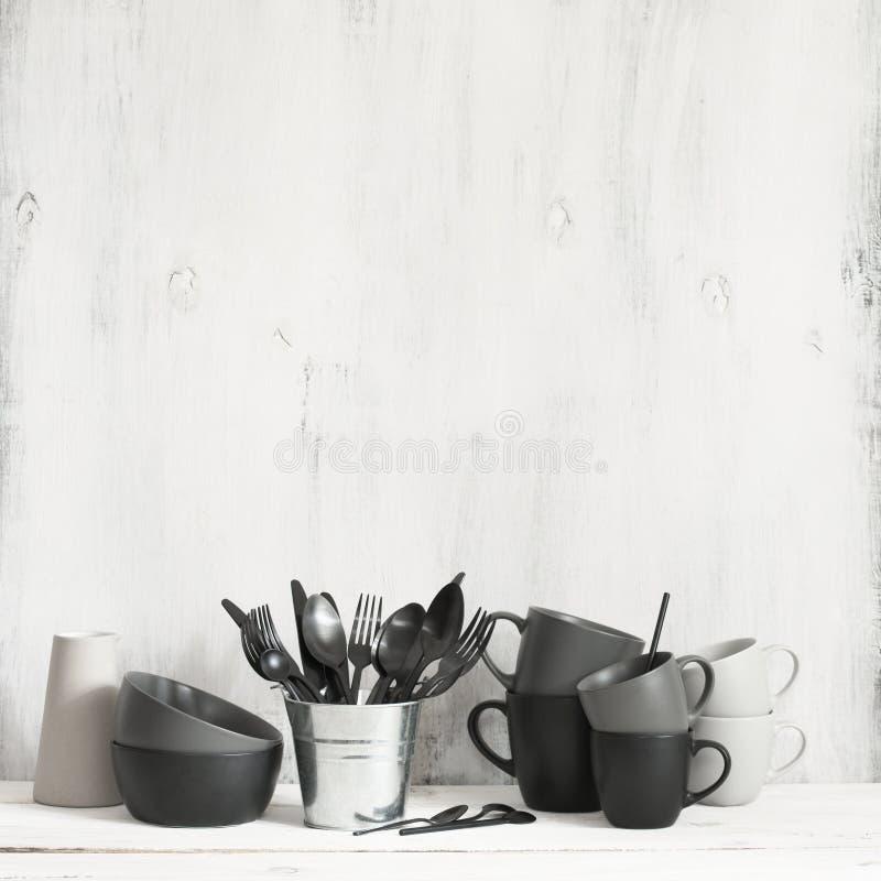 Установите черного и серого tableware стоковое изображение