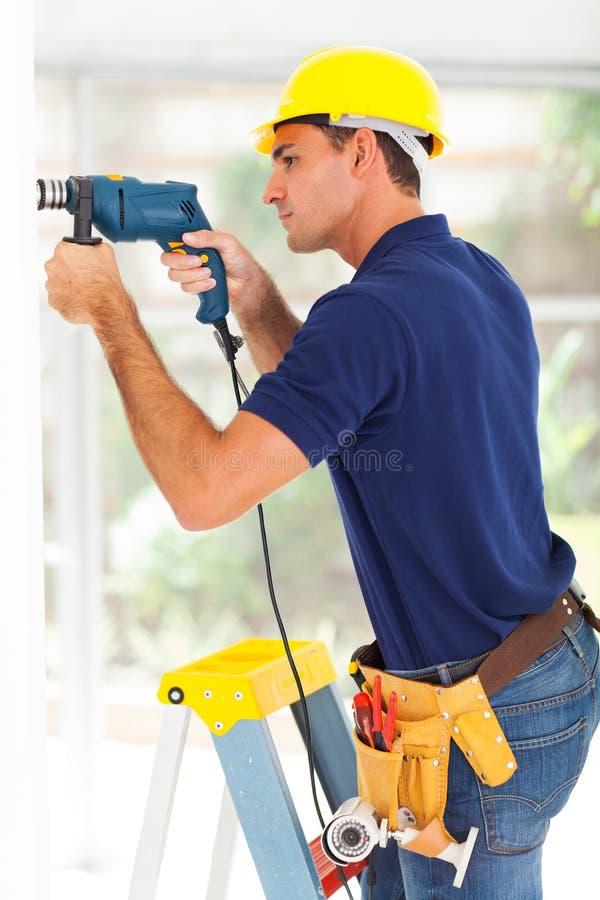 Установитель камеры Cctv стоковое фото rf