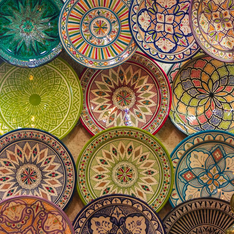 Установите этнических блюд Предпосылка блюда стены стоковое изображение