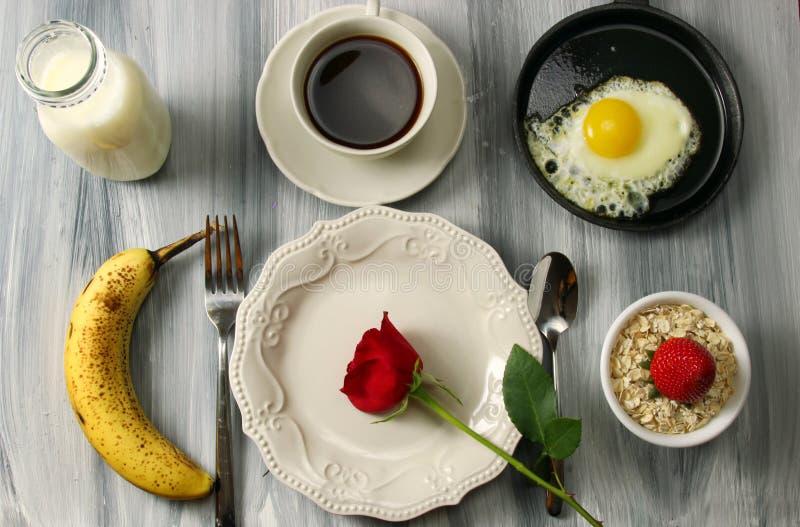 Установка завтрака стоковое изображение rf
