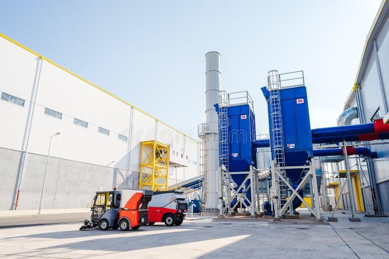 Установка и силосохранилище печной трубы ненужного газа для отходов стоковые изображения