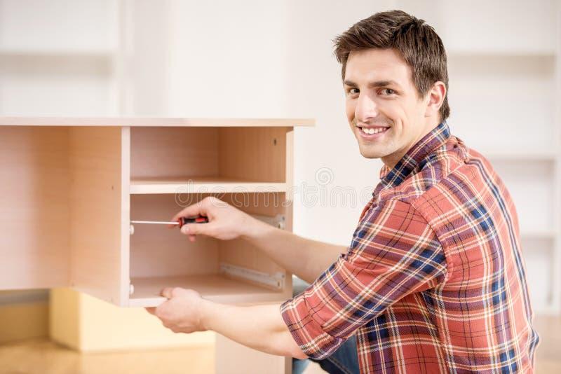 Установка мебели стоковое изображение rf