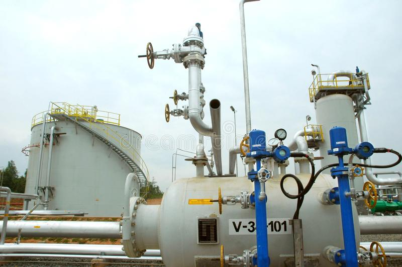 Установка нефтеперерабатывающего предприятия в продукцию стоковое фото