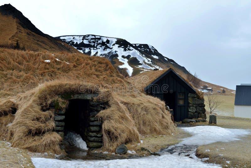 Установка дома дерновины в Исландии стоковая фотография rf