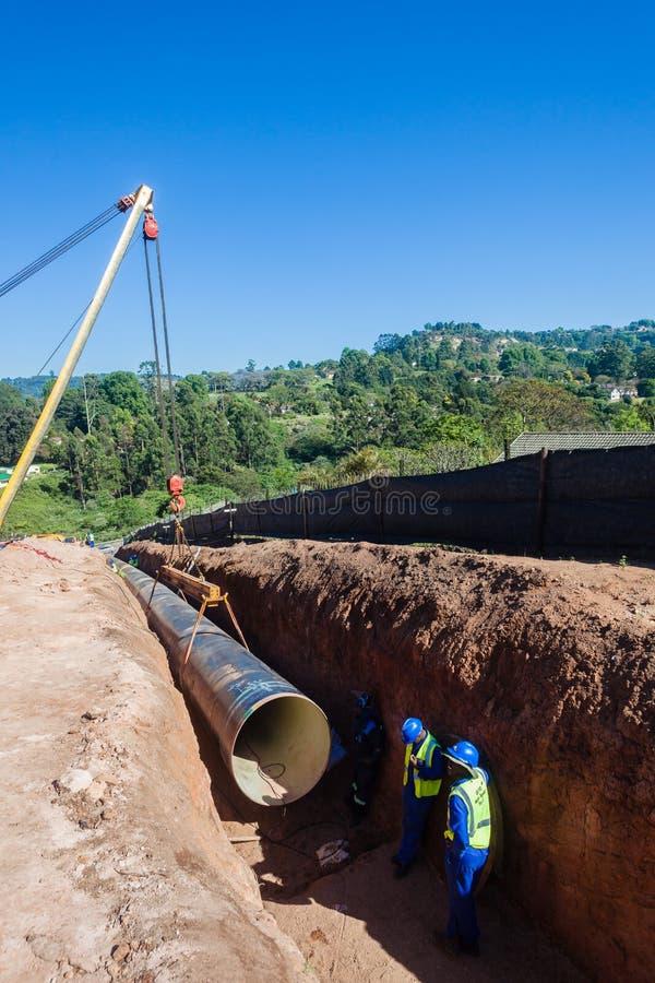 Установка такелажирования трубопровода мост-водовода воды стоковое изображение rf
