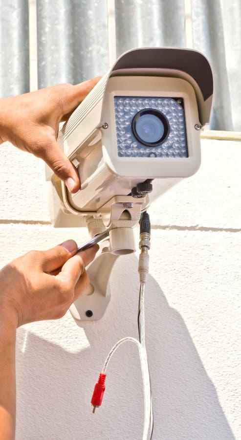 установка cctv камеры стоковое фото