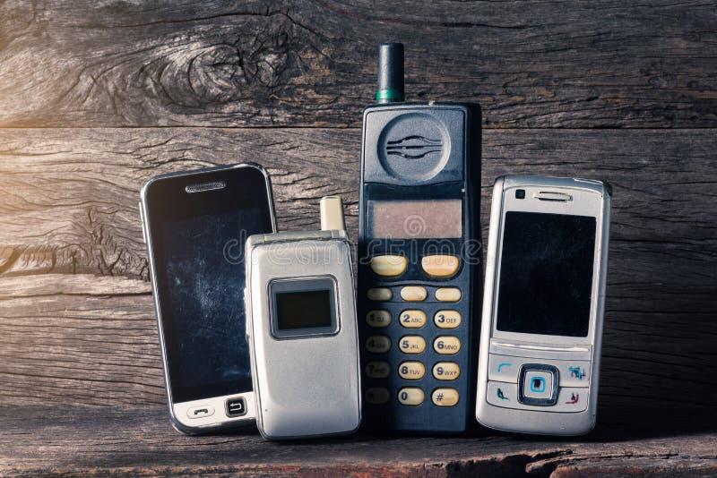Устарелый мобильный телефон стоковое фото