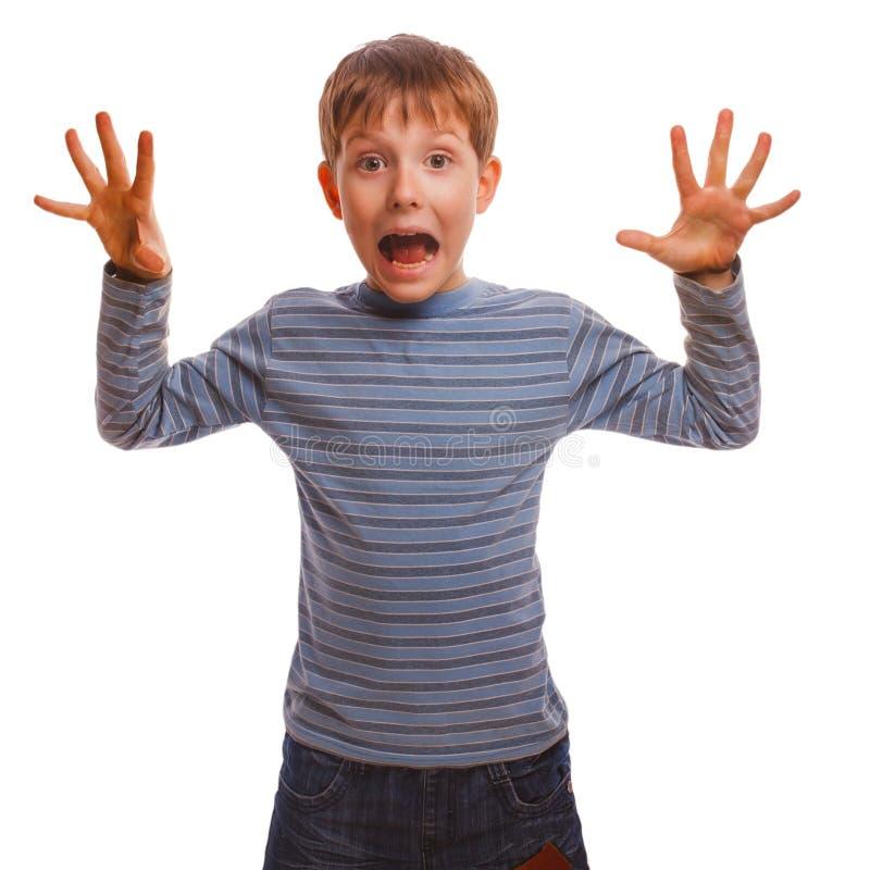 Устрашенный мальчик чувствует что uzhaz опасности страх раскрыло его стоковые фото