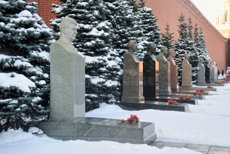 Усыпальницы Сталина и других советских руководителей покрыли снег стоковая фотография