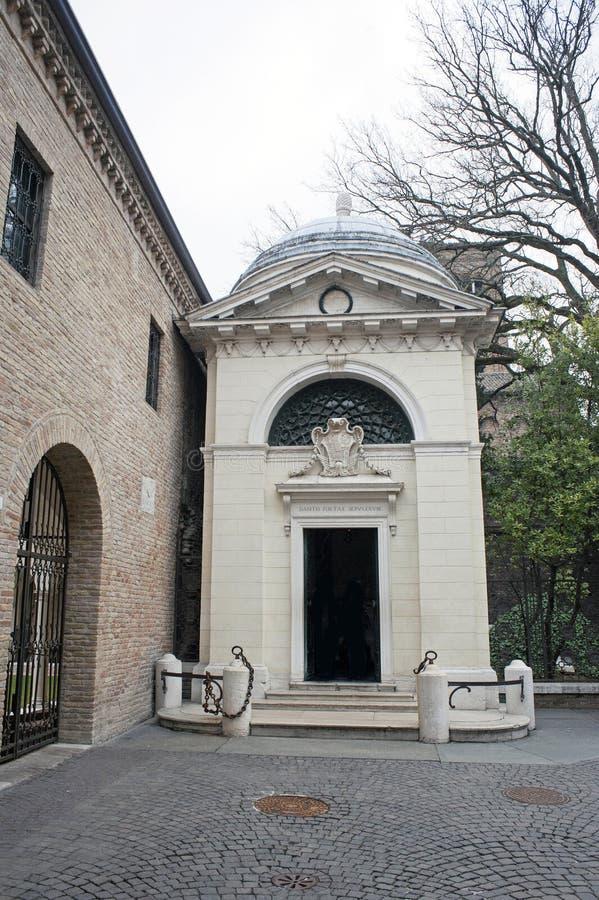 Усыпальница Dante Alighieris стоковые изображения
