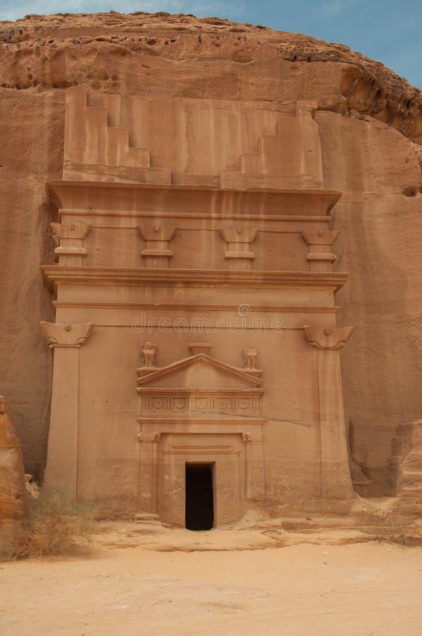 Усыпальница Nabatean в месте Madaîn Saleh археологическом, Саудовской Аравии стоковое изображение