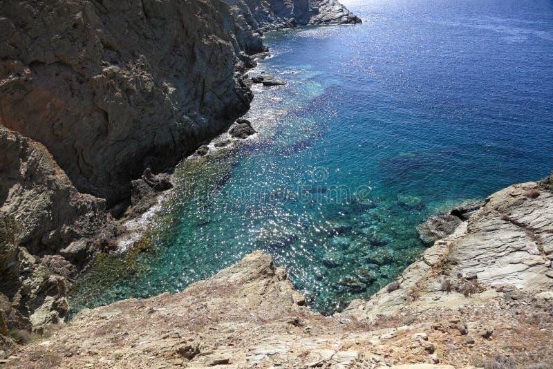 Утесистое побережье острова Крита стоковая фотография