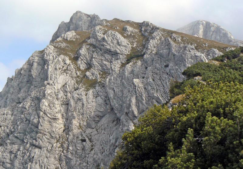Утесы в горах, Словения стоковое изображение