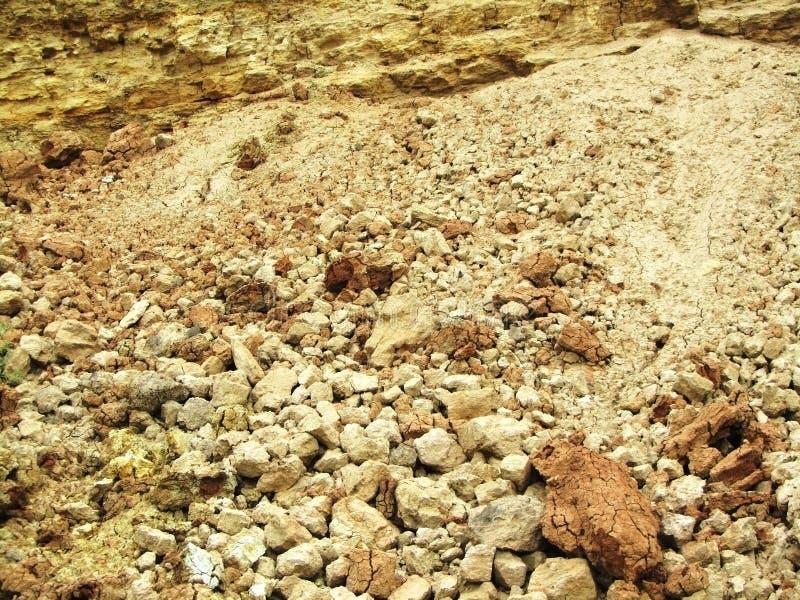 Утесы и камешки на пляже стоковые изображения rf